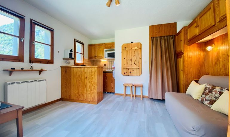 "Apartment for sale ""La Genette"" – Compromise staded"